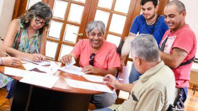 Photo of Los artesanos firmaron un permiso provisorio para uso de espacio público