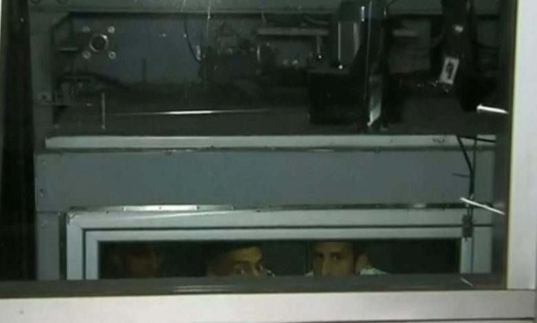 Photo of Insólito: jugadores de Boca quedaron encerrados en un ascensor en el Hotel