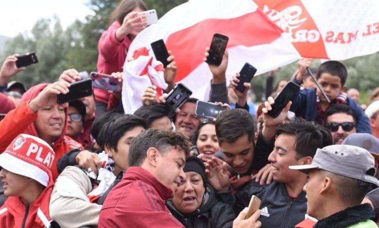 Photo of Promesa cumplida: el gran gesto de los jugadores de River con los hinchas en San Martín de los Andes