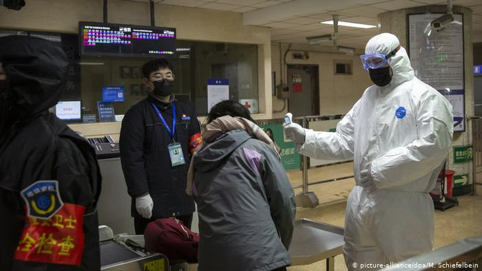 Photo of China reporta otros 15 decesos por coronavirus