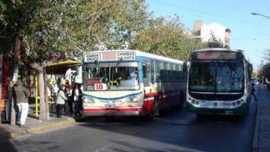 Photo of Colectivos: podrán viajar hasta 10 pasajeros parados en horas pico