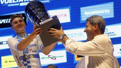 Photo of Fernando Gaviria se quedó con la última etapa, Remco Evenepoel con la gloria