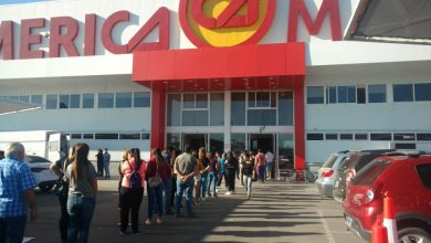 Photo of Largas filas en supermercados esperando para ingresar