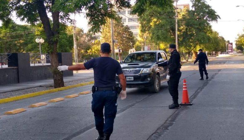 Photo of La policía va a radiar vehículos en los controles por la cuarentena