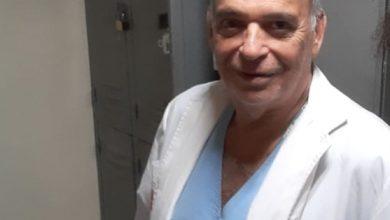 Photo of De las buenas: Está jubilado y trabaja a la par de todos
