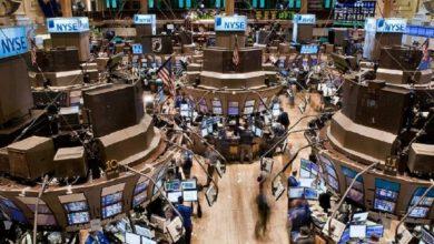 """Photo of La crisis de mercados impacta en Argentina: el Riesgo País supera los 3.200 puntos y el dólar """"contado con liqui"""" alcanza los 90 pesos"""