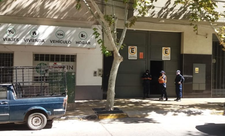 Photo of Aseguran que más de 50 comercios fueron sancionados por violar el aislamiento