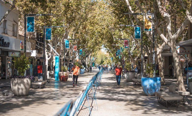 Photo of Comienzan a levantar el vallado en la Peatonal