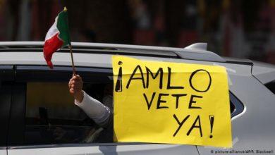 Photo of Ultimátum en México: Exigen renuncia del presidente con caravana de autos