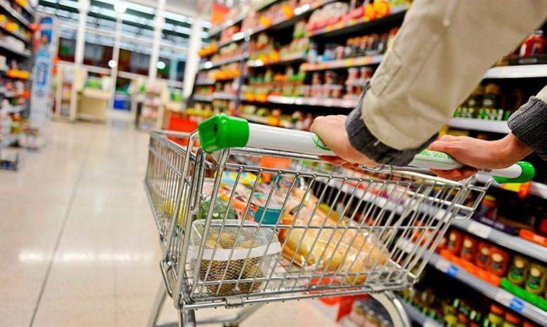 Photo of La inflación fue del 2,2% en junio y acumula 42,8% en últimos doce meses, según Indec