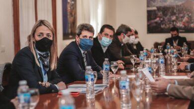 Photo of Uñac se reunió con sus ministros para realizar un balance de la primera etapa del Acuerdo San Juan