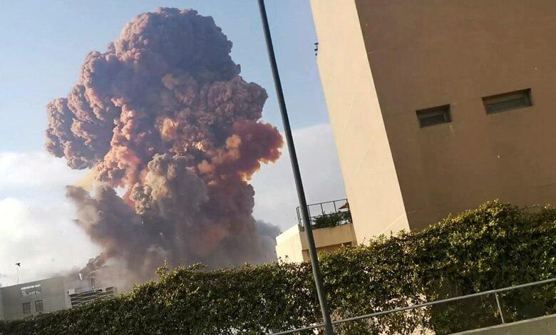 Photo of Fuertes explosiones destruyeron parte del puerto de Beirut