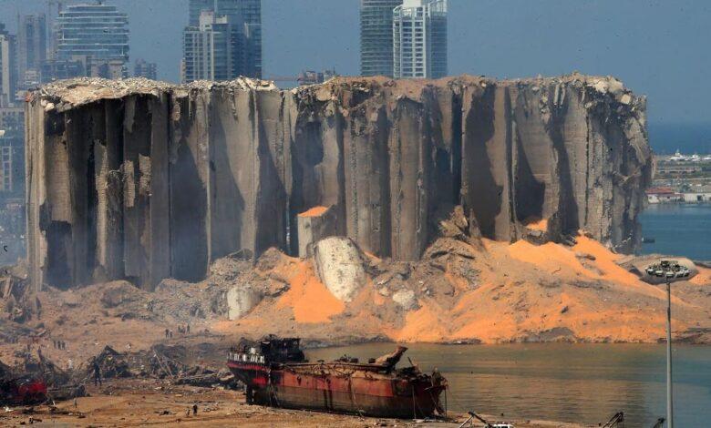 Photo of Crecen la indignación y los pedidos de cambio, mientras Líbano investiga la explosión