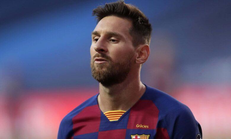 Photo of Lionel Messi, «más afuera que adentro» de Barcelona