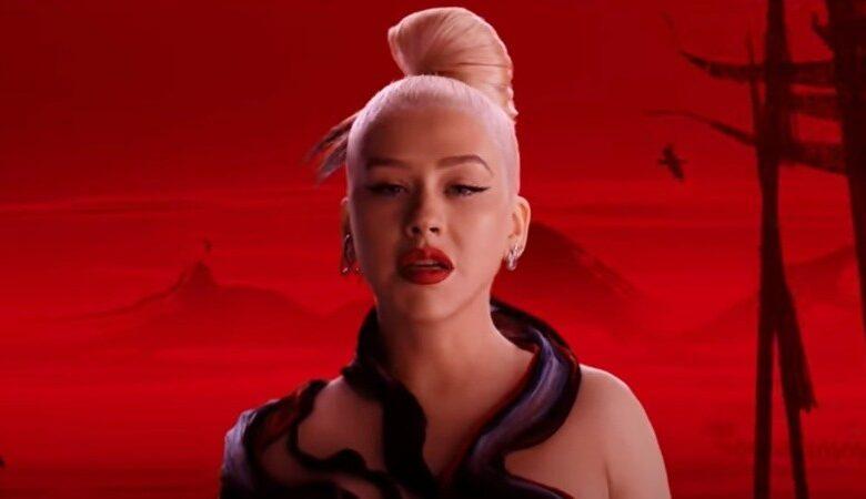 Photo of Disney lanzó el videoclip del single de «Mulan» con Christina Aguilera