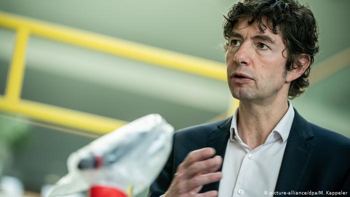 Photo of Coronavirus: virólogo alemán propone nueva estrategia para acortar cuarentenas