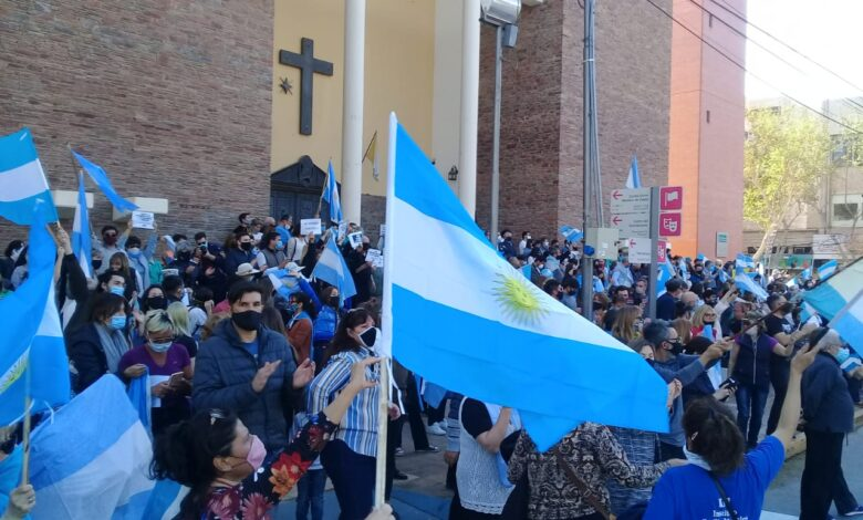 Photo of Nuevo banderazo contra el Gobierno en el Obelisco, Olivos y distintas ciudades del país
