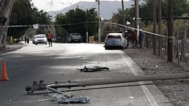 Photo of Ciclista es atropellado de atrás e impacta fatalmente de frente contra poste de luz
