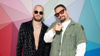 """Photo of Mau y Ricky estrenaron """"La grosera"""", con una divertida sesión de fotos"""