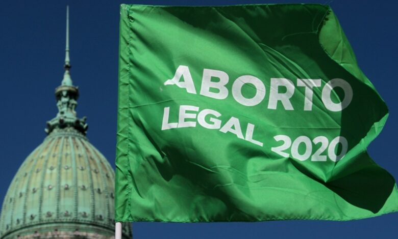 Photo of El aborto es legal en la Argentina: el Senado sancionó la ley con una votación menos ajustada a lo esperado