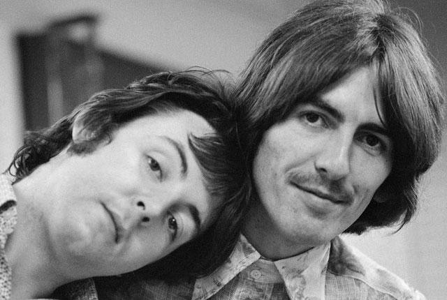 Photo of Paul McCartney aseguró que habla con George Harrison a través de un árbol